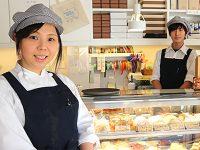 自慢のロールケーキと神津牧場のソフトクリームが味わえる、地域に愛されるケーキ屋さん「patisserie KOZU」