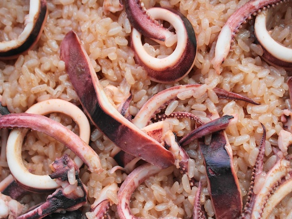 簡単で美味しい『詰めないイカ飯』レシピ
