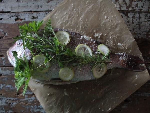 華やかパーティレシピ『しっとりふんわり鯛のブーケ焼き』