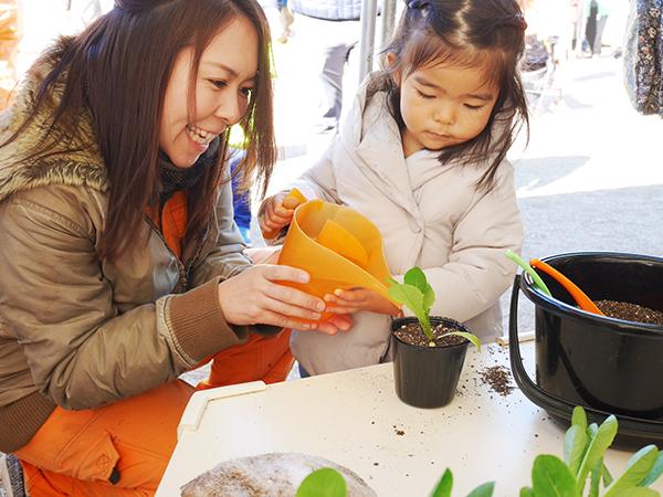 東京・日比谷公園で農業体験!?食と農を楽しく学べるファーマーズ&キッズフェスタ!