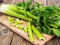 食物繊維は多くない? 香りが爽やかなセロリの栄養と保存法【野菜ガイド】