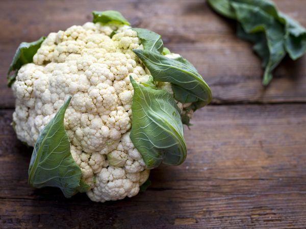 真っ白に茹でるコツ カリフラワーの栄養・保存法【野菜ガイド】
