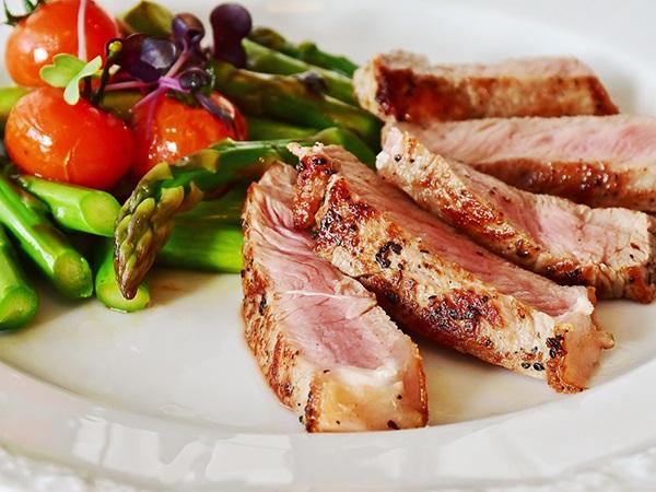 牛・豚はどうやって肉になる?芝浦と場・東京食肉市場を探検