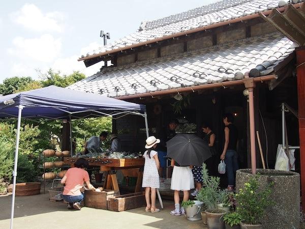 個人農園の可能性を広げる「農家の庭先で開くマルシェ」