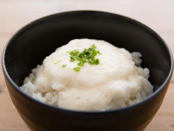 長芋・自然薯も! ヤマノイモの保存法・栄養・調理法【野菜と果物ガイド】