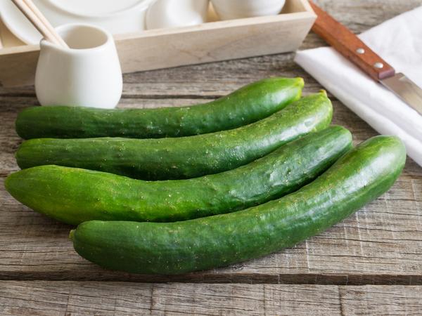 サラダや炒め物にも!キュウリの栄養・保存方法まとめ【野菜と果物ガイド】
