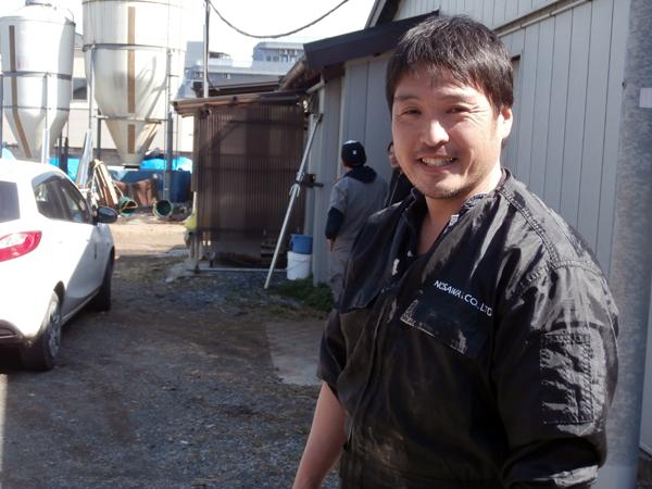 住宅地に溶け込む東京の駅近酪農 都市生活の中で親しまれる小俣牧場