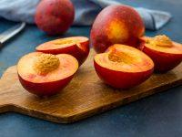 おいしいモモの仲間 ネクタリン・アンズ・プルーンの栄養と食べるコツ【果物ガイド】