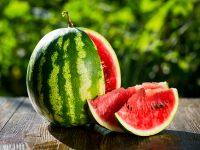 夏を感じる果物! おいしいスイカの見分け方・保存方法と食べ方【果物ガイド】