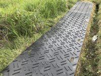 農地ぬかるみ対策や未舗装場所の保護に最適な『リプラギ®フロアーマット』ー川瀬産業株式会社ー