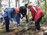 必須科目に林業体験! 森林保全やシカの解体実習に取り組む東京都立北園高校