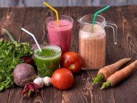 青汁と野菜ジュースの違いを4つのポイントから比較!また、おすすめの青汁は?