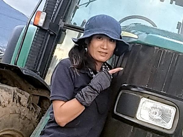 地域の女性リーダーは農業機械も操る農家の嫁