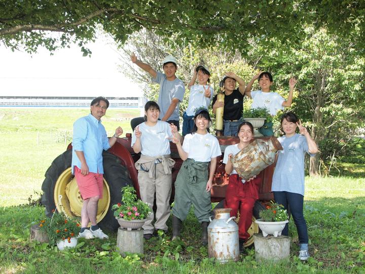 9割が女性スタッフ! 日本一の酪農王国で、牛と暮らす生活を