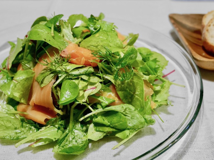 朝食に自家製ハーブサラダはいかが? ミックスサラダ畑を作る【脱枯れ専のベランダ畑】