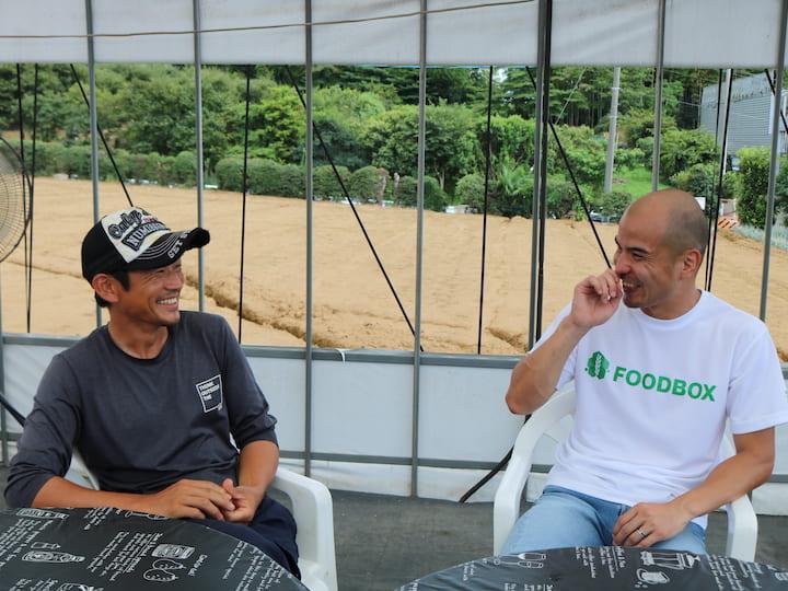 笑顔で話す田丸さんと中村さん