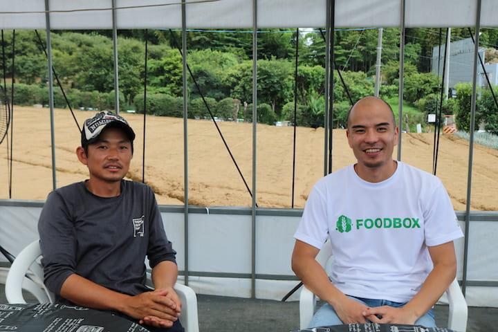 _笑顔でこちらを見る田丸さんと中村さん