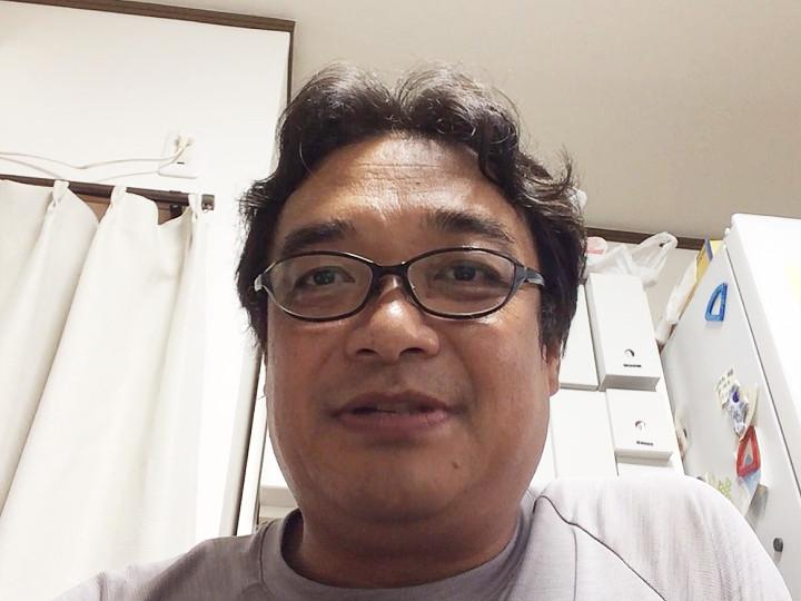 飯野芳彦さん