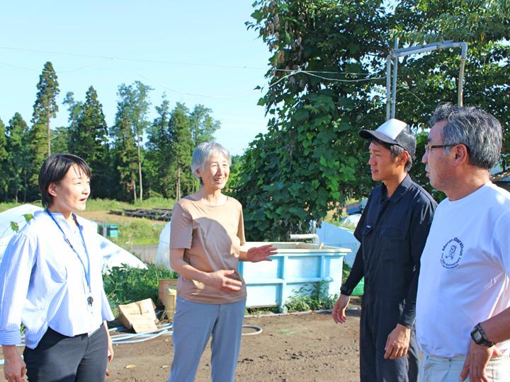 秋田県農業公社のスタッフは就農後もさまざまな相談に対応。