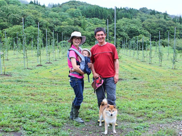 奥様の幹子(みきこ)さんも新規就農者として夫婦2人で地域のリンゴの木を守っています