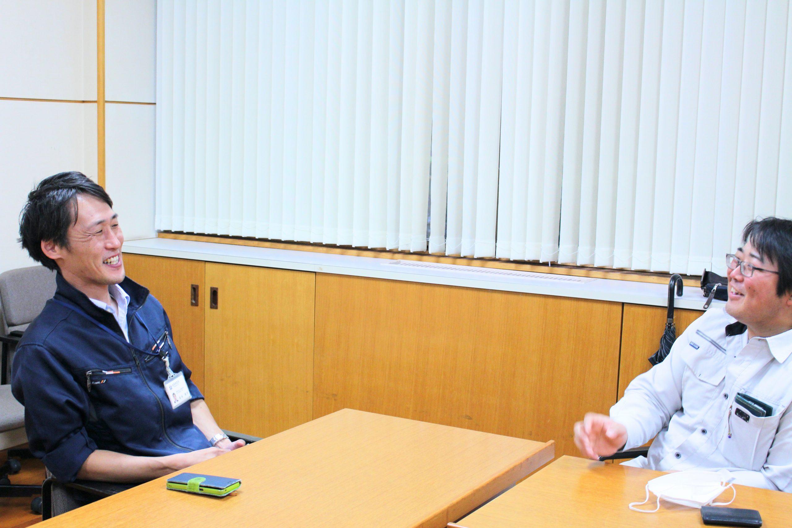 取材中、談笑する髙野さんと松永さん。その様子からも良好な関係が伺えます