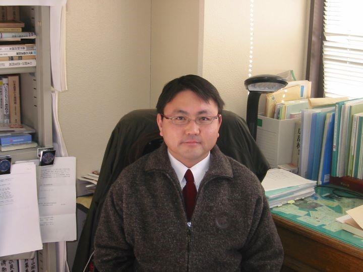 安藤教授写真