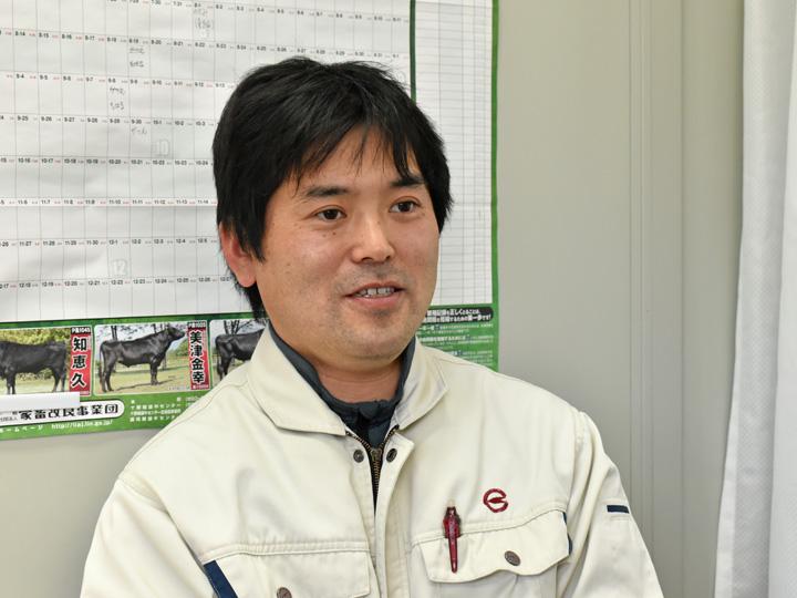 葛尾村の畜産の歴史や営農再開状況を語る『葛尾村 地域振興課』の松本勝好さん
