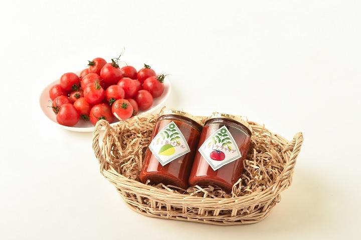 パスタソースとミニトマト