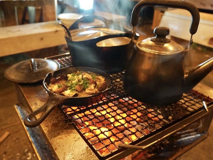 畑キャンプ 焚き火で料理 コーヒー