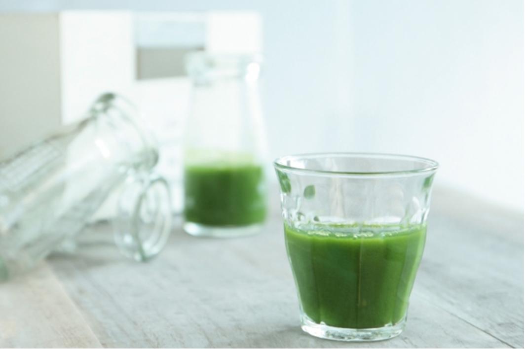 青汁に含まれるビタミンってどのくらい?ビタミンを補給したい人におすすめの青汁も紹介