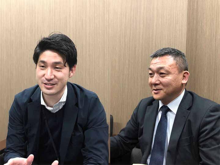 『グラスミーモ』の開発や機能、キャンペーンについて話してくれた木下さん(右)と室伏さん(左)