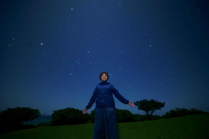 採草地を使った 観光星空とコバマツ