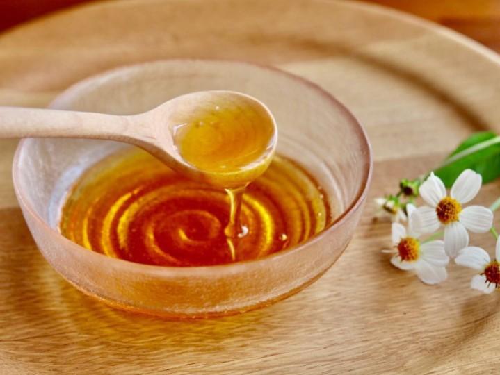 江並さんが養蜂を始めるまで ハチミツ スプーン