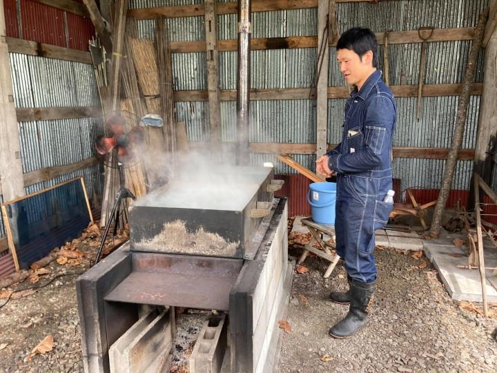 牛舎飼いから放牧酪農へ鈴木さん塩作り