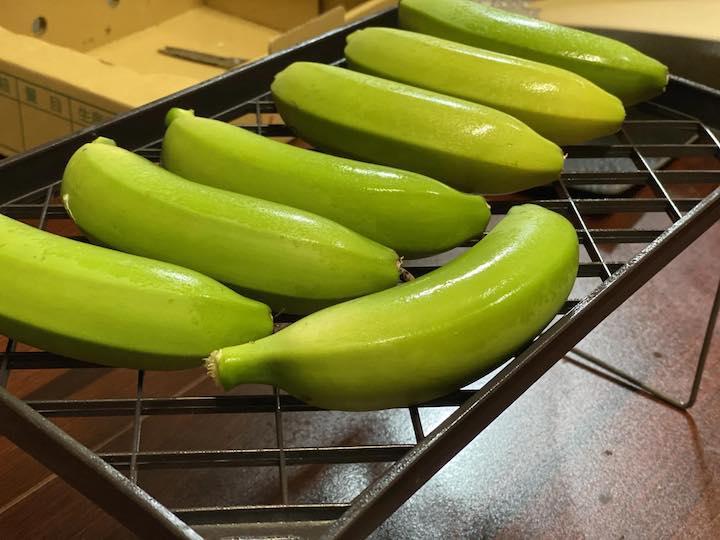 箱詰め前のバナナ