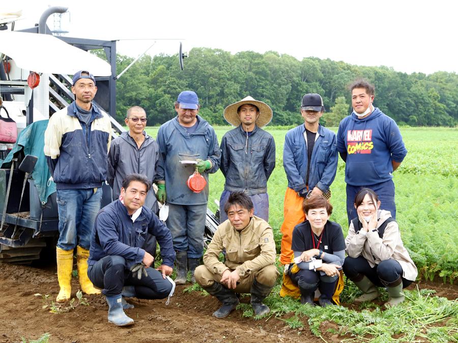 【北海道知床】種まきから収穫・洗浄・梱包まですべて自社で担う丸米産商で学ぶ人参の一生