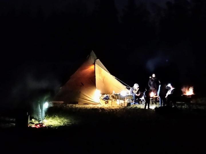 田んぼでキャンプ