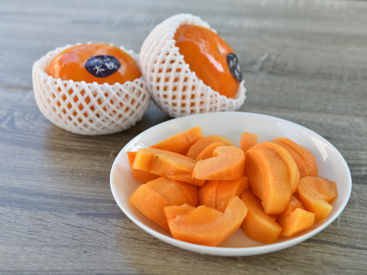 上質な甘さとシャキシャキした食感。柿嫌いをもうならせる、大磯の大玉柿